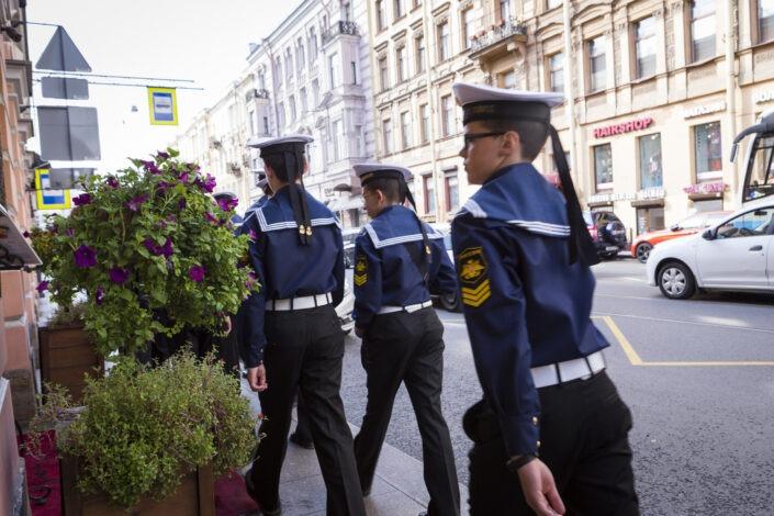 Jeunes, marins, uniforme, Saint-Pétersbourg, Russie