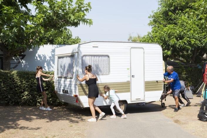 Installation caravane camping